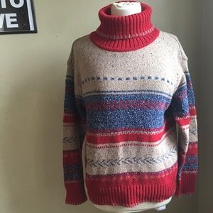 M/L vintage turtleneck sweater